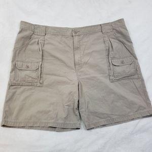 Cabela's 7 Pocket Hiker Khaki Cargo Shorts